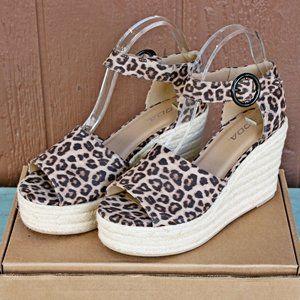 SODA Fabia Wedge Sandala Cheetah Print Sz 9